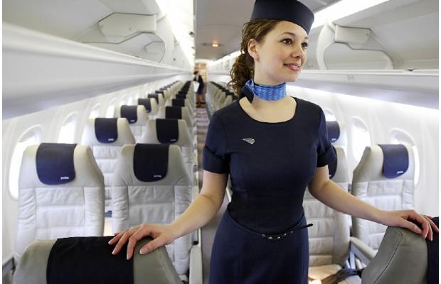 Униформа стюардесс Porter Airlines