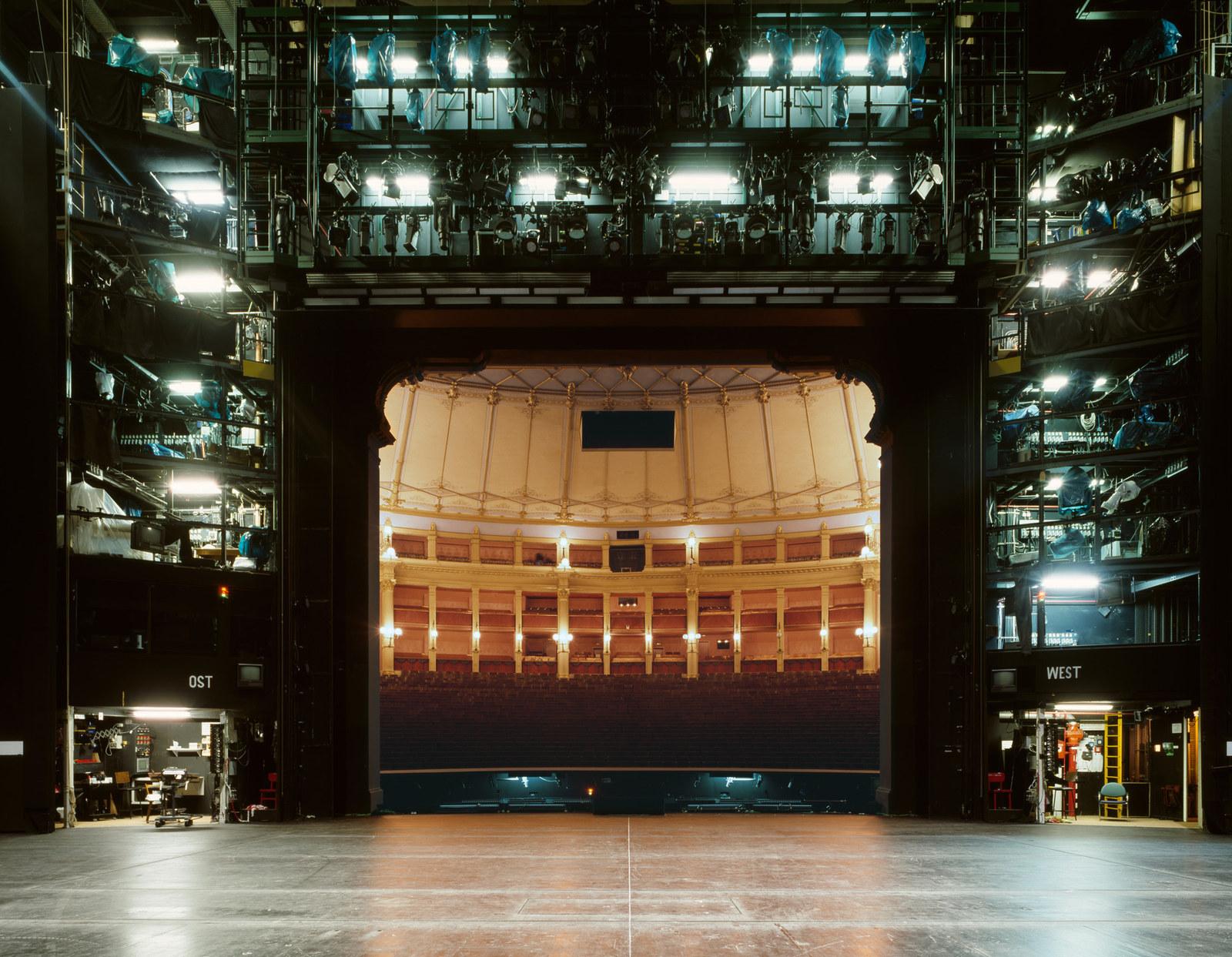 Фестивальный театр Байройта (Bayreuth Festival Theatre)