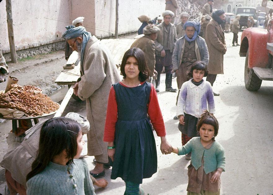 очень фото как раньше жили в афганистане молодежь