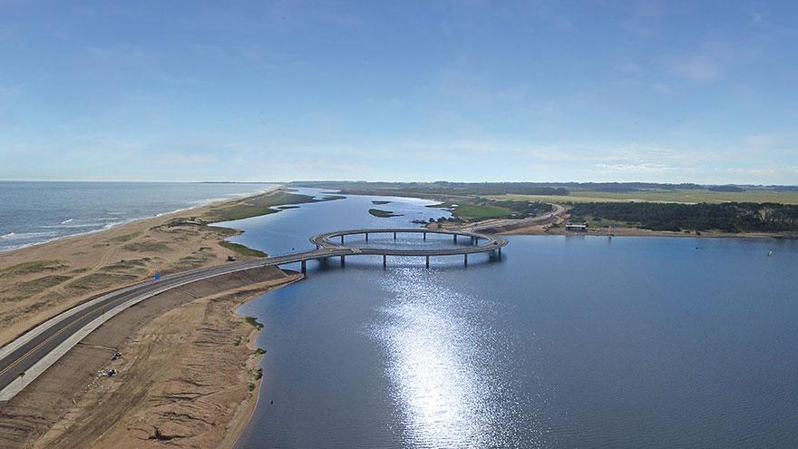Круговой мост в Уругвае