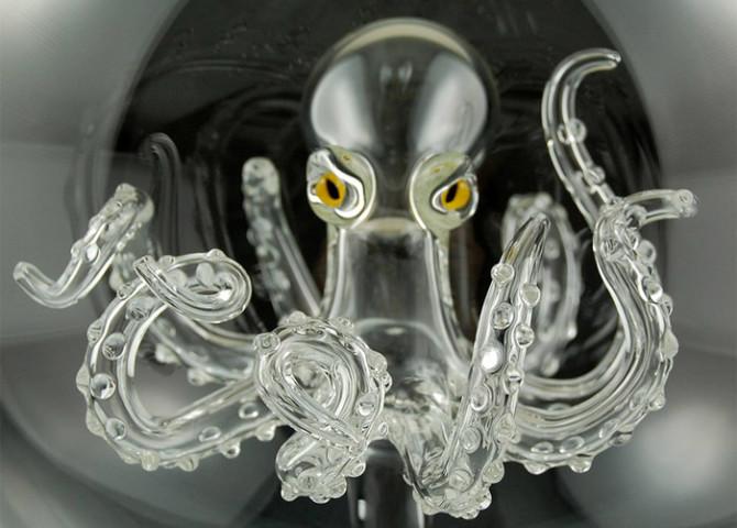 Миниатюрные выдувные стеклянные сосуды и научные инструменты от Кива Форда
