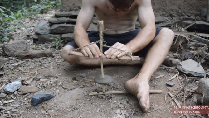 Как сделать верёвочную и помповую дрели из палок и камней