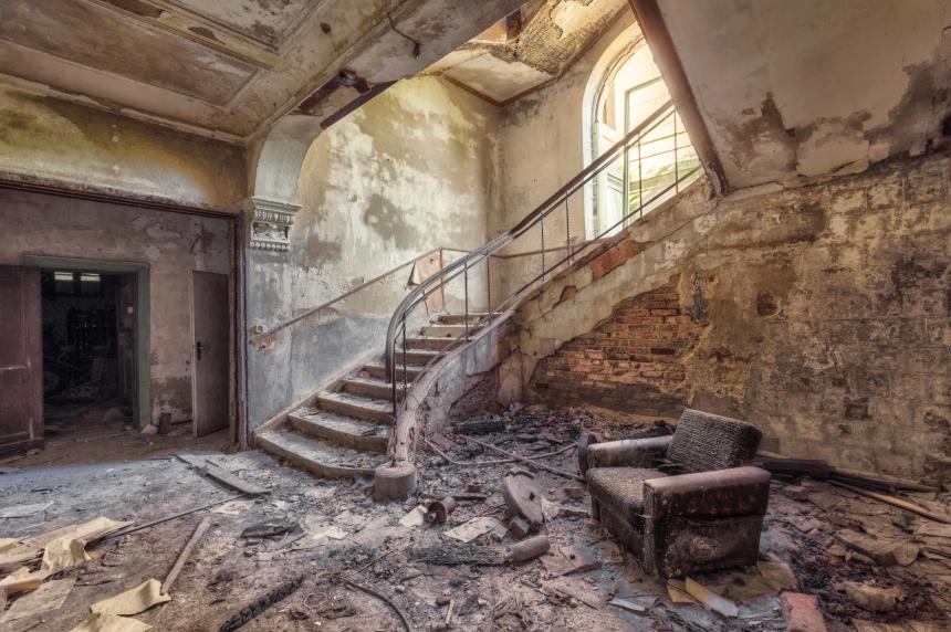 Фотографии заброшенных зданий от Кристиана Рихтера