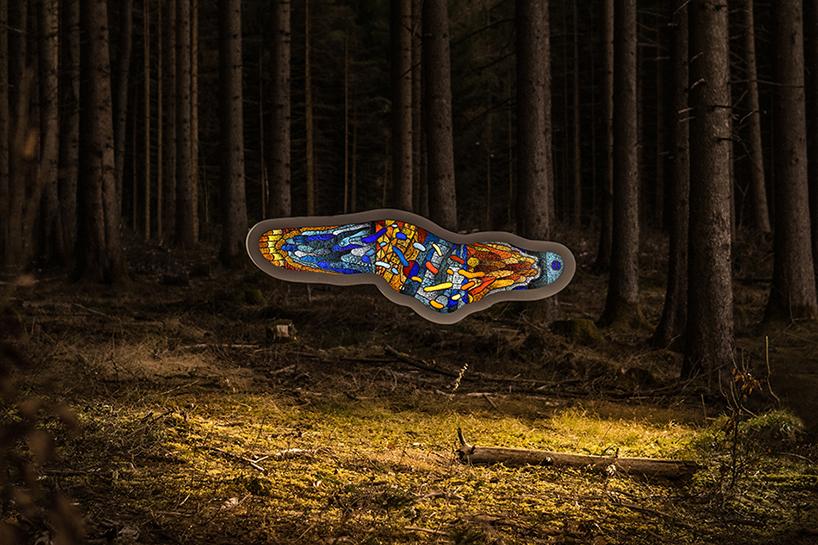 Скульптура светящейся амёбы от Томаса Медикуса