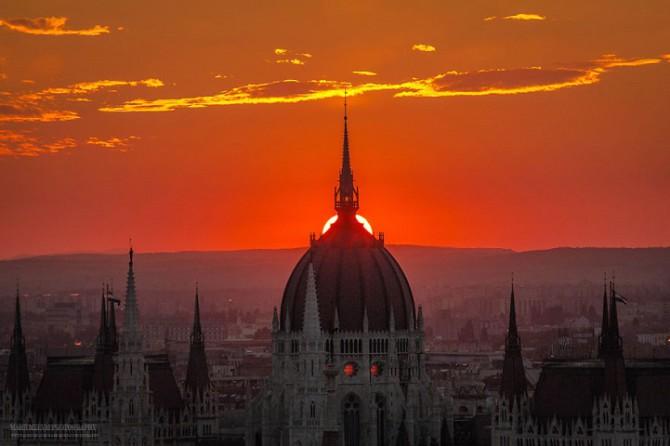 Сияющие фотографии рассветов и закатов в Будапеште