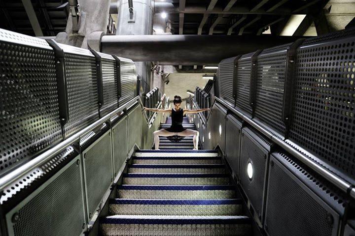 Танцы в лондонском метро от Алессандры Кембали