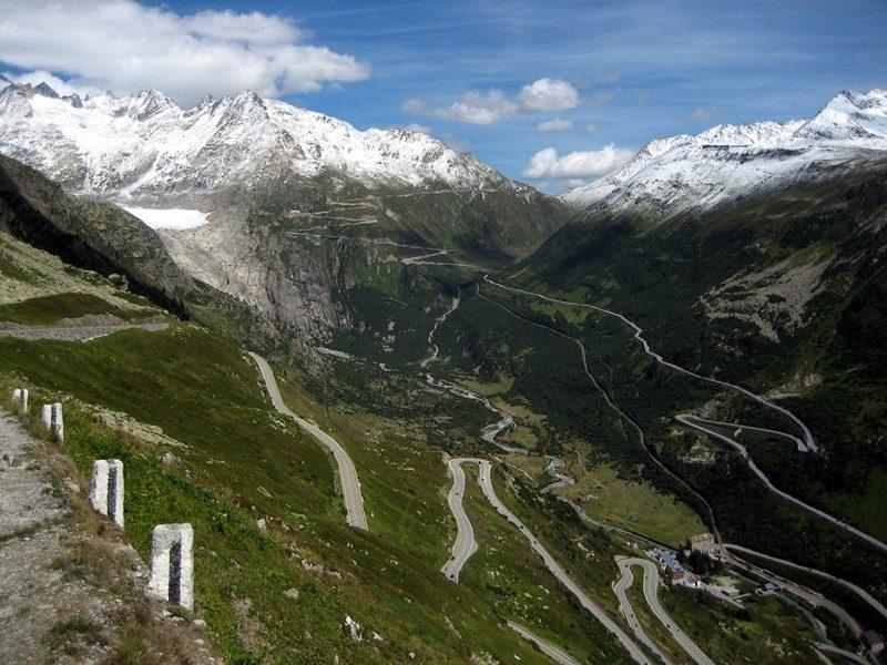 Высокогорный перевал Фурка в Альпах, Швейцария