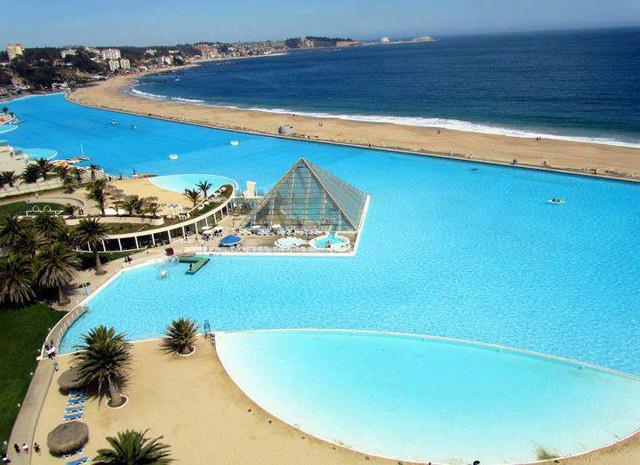 Крупнейший плавательный бассейн в мире