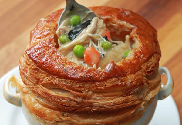 За кулисами «Оскара»: рецепт нежнейшего куриного пирога от Вольфганга Пака