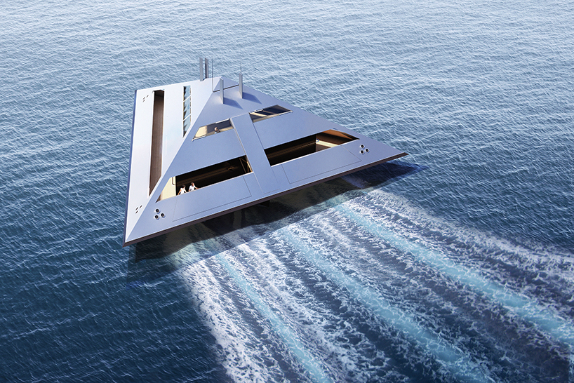 Яхта в виде тетраэдра