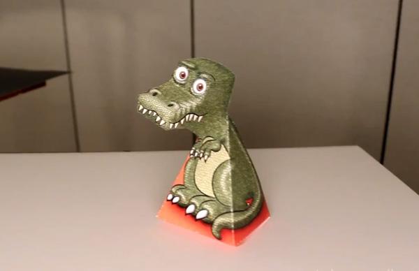 Как сделать динозавра T-Rex c иллюзией слежения за зрителем
