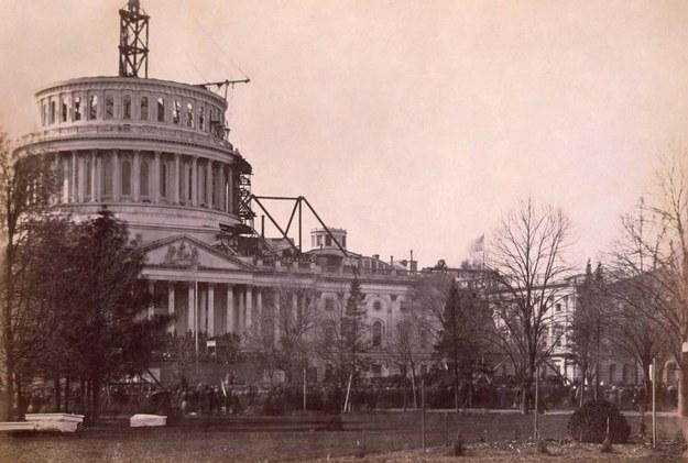 Старинные фотографии строительства мировых достопримечательностей
