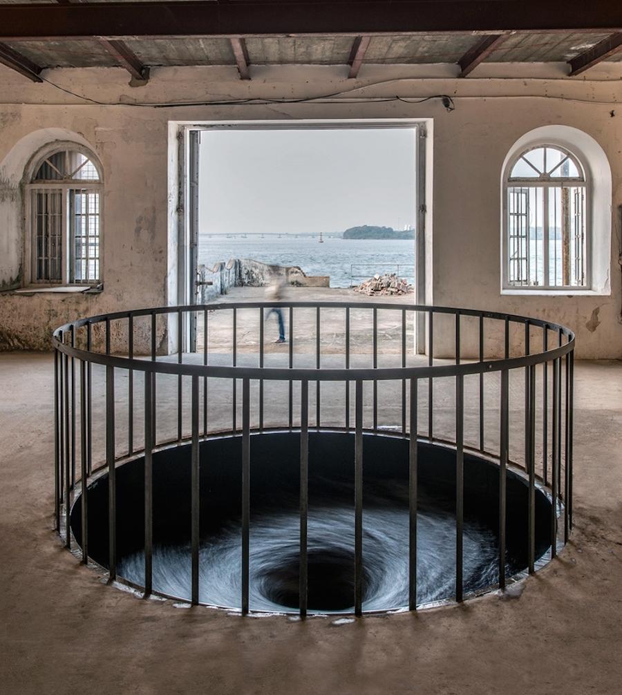 «Вихревая ванна» (Whirlpool), 2015