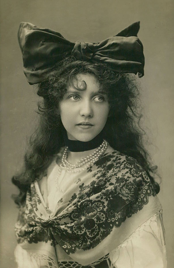Открытки женщин со всего мира 1900-1910 годов