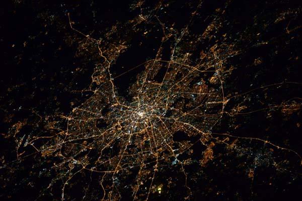 Завораживающий вид ночных городов с Международной космической станции