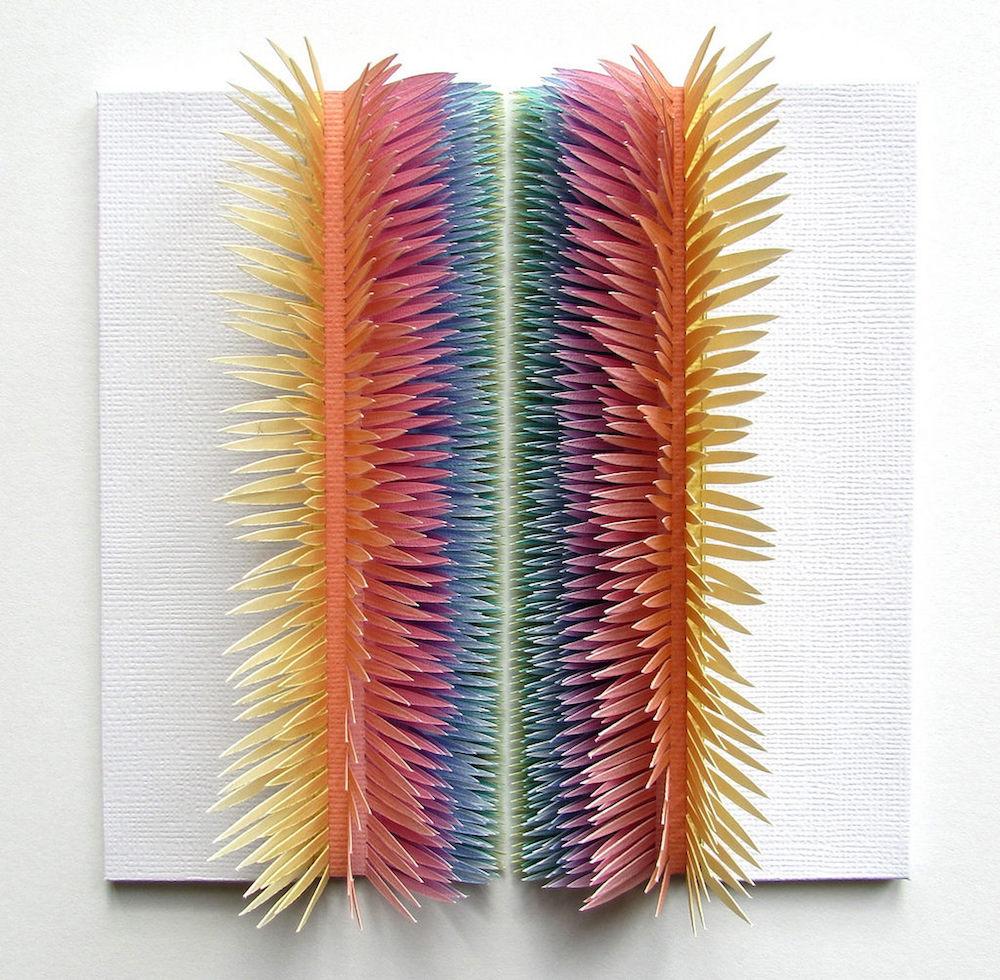 Произведения из цветного картона от Клэр Пентлоу