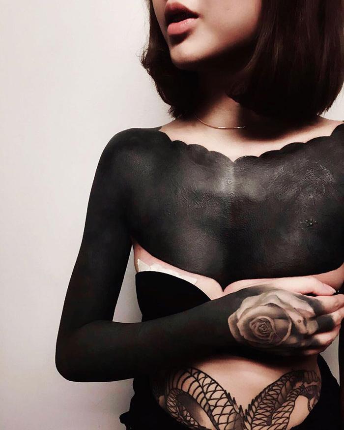 Закрашивание татуировки от Честера Ли