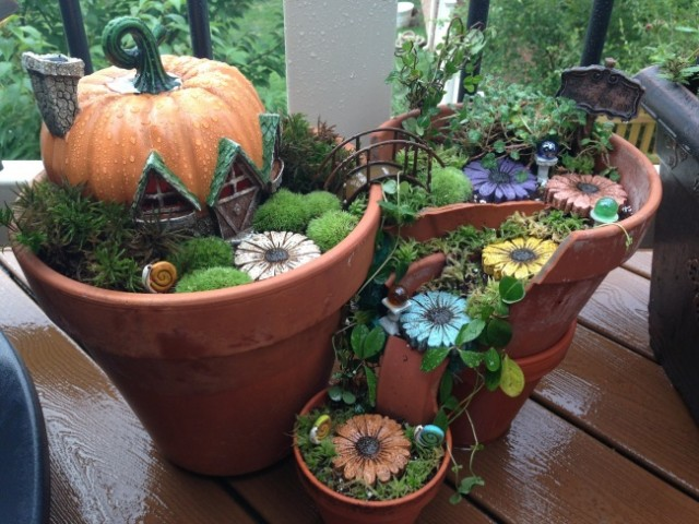 broken-pot-fairy-garden-5