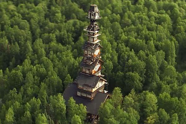 Фантастический дом со смотровой башней на высоте более 50 метров