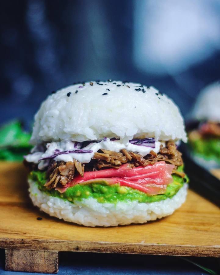 Новый фуд-тренд: суши-бургер.