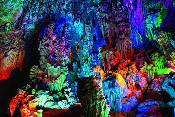 10 самых захватывающих пещер в мире