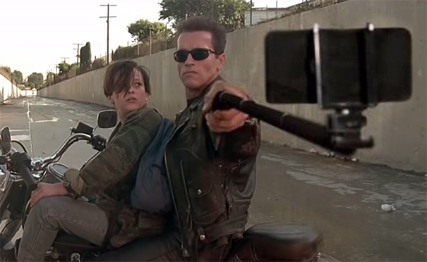guns-selfie-sticks-1