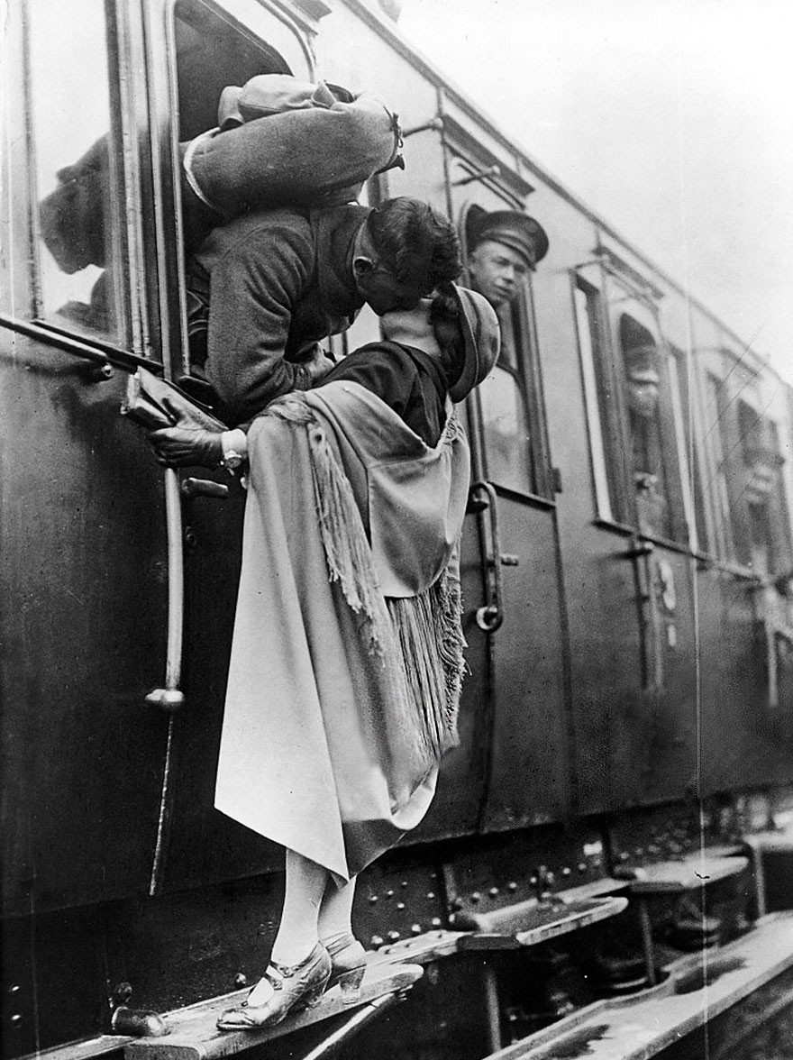 old-photos-vintage-war-love-13