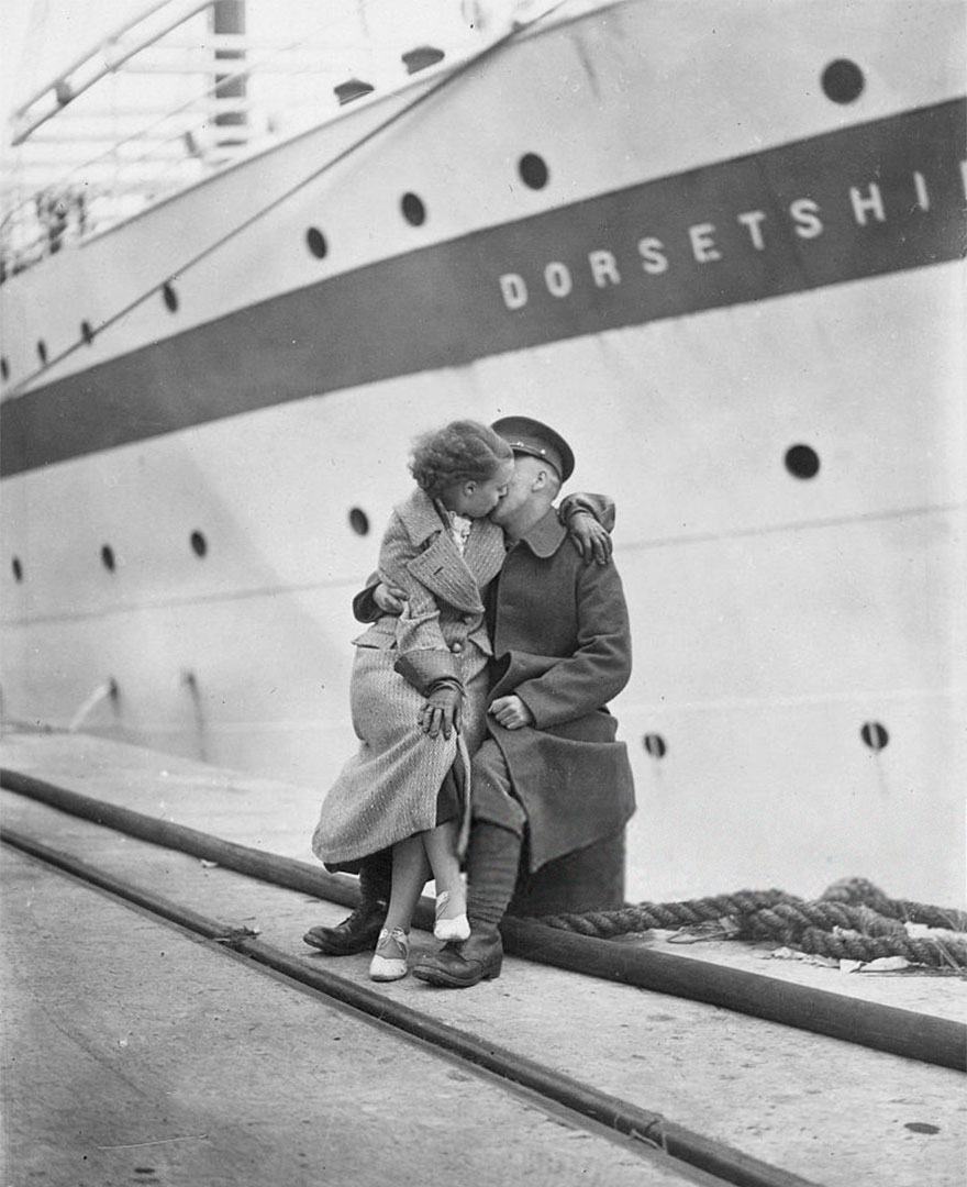 old-photos-vintage-war-love-23