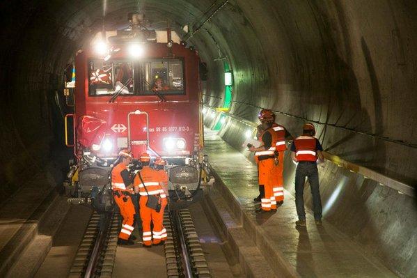 Дорога сквозь Альпы: самый длинный железнодорожный тоннель