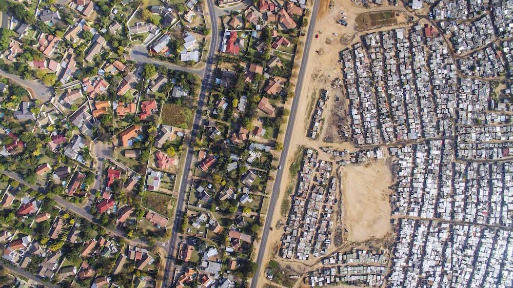 Разрыв между богатыми и бедными в ЮАР