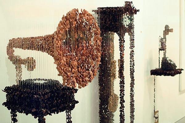 Креативные инсталляции из пуговиц от Агюсто Эскивеля