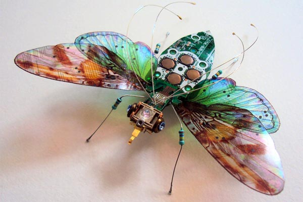 Крылатые насекомые из утилизированной электроники