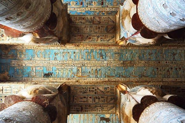 Величественный египетский храм Хатхор