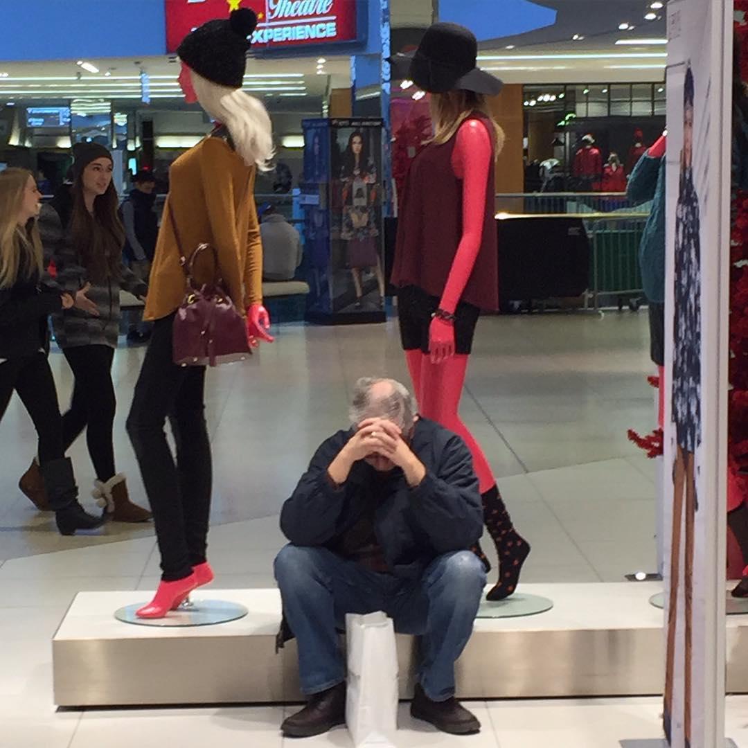картинка мужики в магазине дарит комфорт