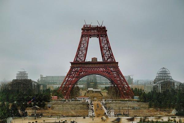 Цветные фотографии мировых достопримечательностей на стадии строительства
