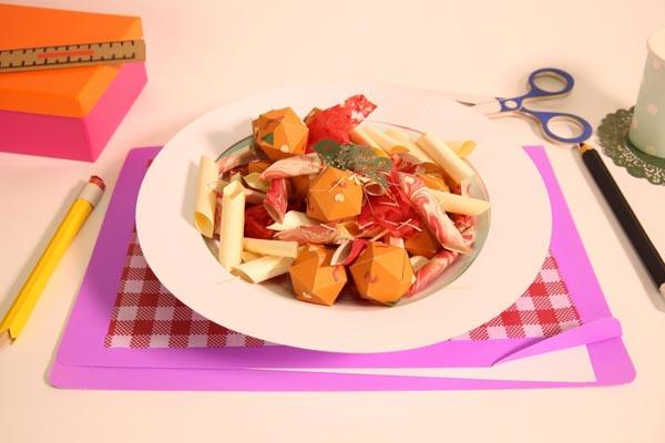 Оригинальные видео-рецепты из бумажной еды