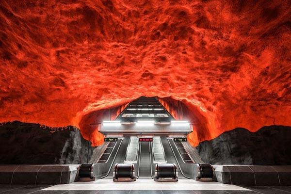 Недооценённая красота метро в фотографиях Криса Форсайта