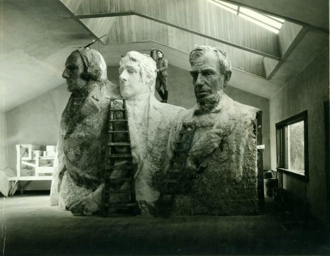 Фотографии «Горы Рашмор» на стадии строительства