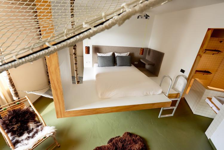 амстердамский отель Volkshotel