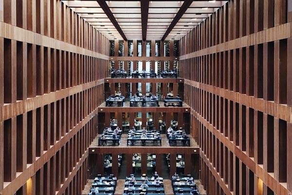 Путешественник снимает красивейшие библиотеки мира с помощью iPhone