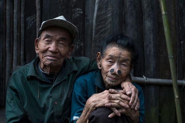 Выразительные портреты коренных народов Азии в проекте Маттиа Пассарини