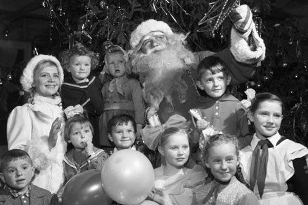 Дед Мороз и Снегурочка: история и винтажные снимки