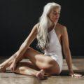 Естественная красота: 61-летняя модель в рекламе нижнего белья