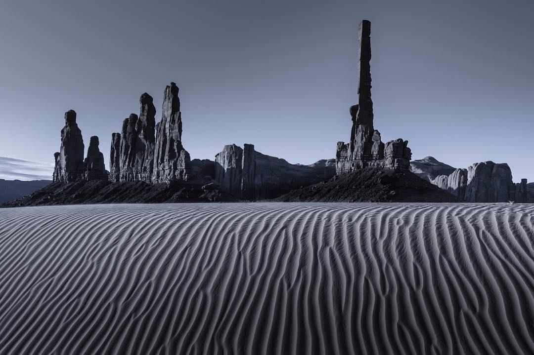 монохромные пейзажи, Том Якоби, Tom Jacobi
