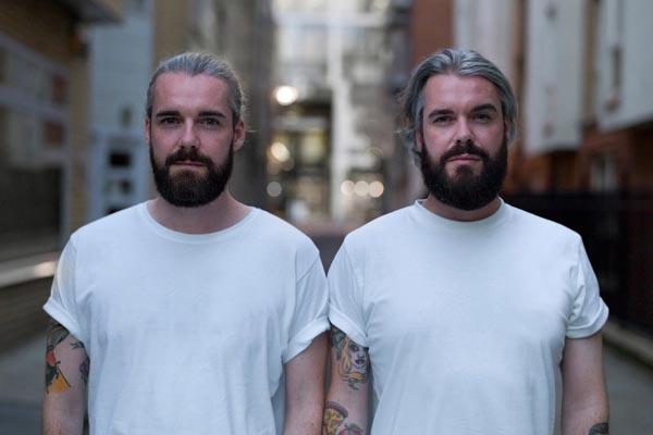 Сходства и различия близнецов в фотопроекте Питера Зелевски