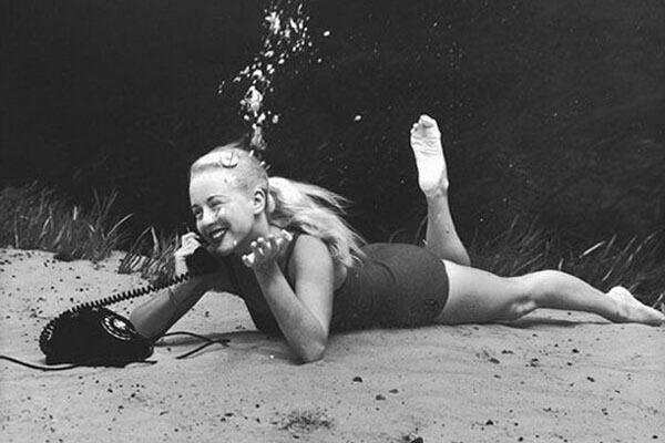 Под водой: винтажные пин-ап фотографии Брюса Мозерта