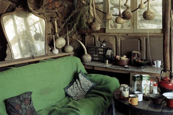 Самодельные дома различных субкультур в Испании