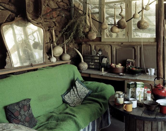 Самодельные дома различных субкультур в Испании, The Riverbed, Бен Мёрфи, Ben Murphy