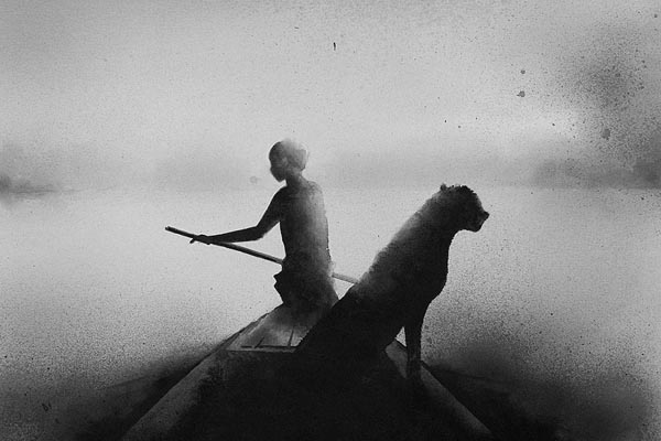 Атмосферные чёрно-белые акварельные картины от Элисии Эдижанто