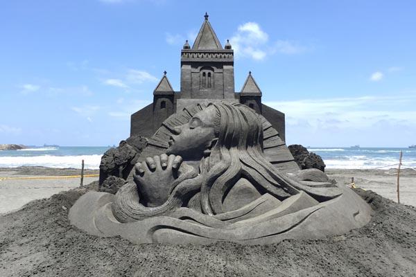 Величественные скульптуры из песка от Тошихико Хосаки